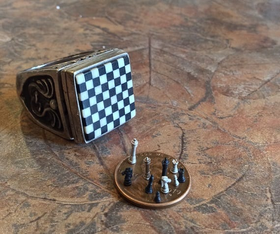 Amazing Chess Set of the Month - Worlds's Smallest Chess Set